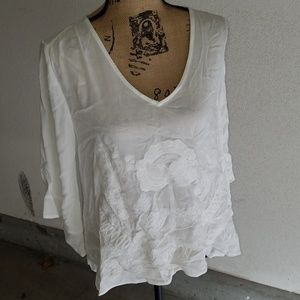 NEW LIST! Boutique white embroidered top